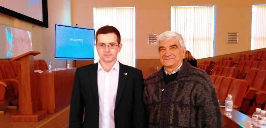 О. Нижник та О. Лейко - фото після захисту