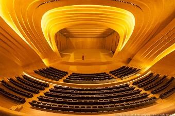 Концертный зал: сцена, фронтальный вид