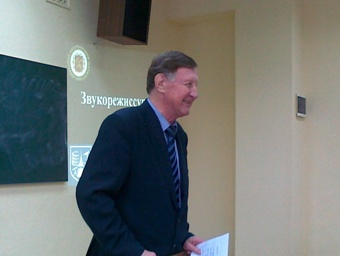 Завідуючий кафедрою Віталій Семенович Дідковський вітає учасників семінару