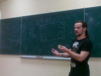 Тарас Карпенко - найбільш активний учасник першого семінару, студент 4-го курсу