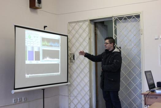 Пилип Ларін пояснює дію програмного забезпечення